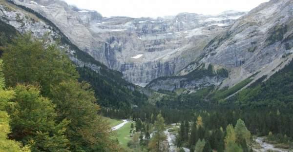 Vue imprenable sur le massif des Pyrénées
